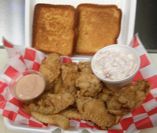 Willie's Fish Fry: 6pc Chicken Wings