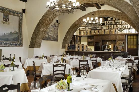 Castello Banfi La Taverna