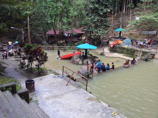 日叻务村照片
