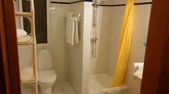 Villa Rosalva: Bagno con doccia