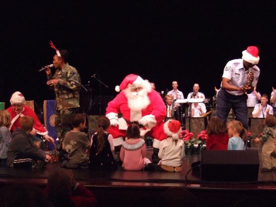 Lebanon, IL: USAF Christmas show