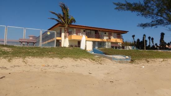 Buzios Ariau Hotel: Hotel visto da praia