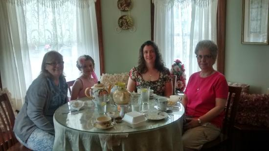 Canal Fulton, OH: Mother's day celebration