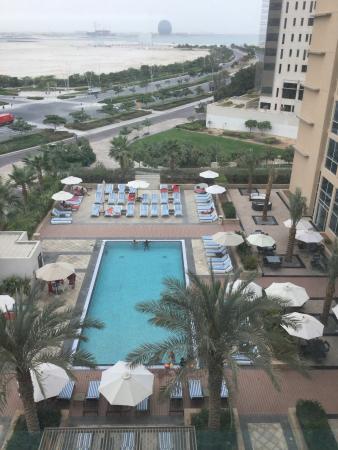 Centro Yas Island Abu Dhabi by Rotana: Swimming pool