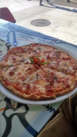 Restaurante pizza roma en granada con cocina pasta y pizzer a - Pizzeria con giardino roma ...
