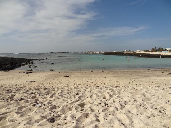 photo0.jpg - Picture of El Cotillo Beach & Lagoons, El Cotillo - TripAdvisor