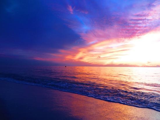 Vanderbilt Beach, FL: Sunset
