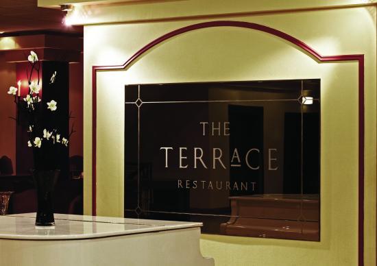 Copthorne Hotel Effingham Gatwick: Detail- The Terrace