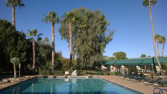 Days Inn & Suites Scottsdale North : Piscina