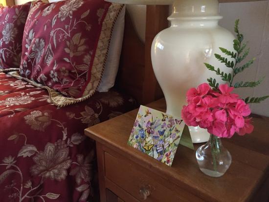 Carmel Fireplace Inn: Nice touch