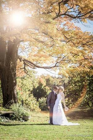 Henderson Castle Inn: Wedding couples at the Henderson Castle wedding ground