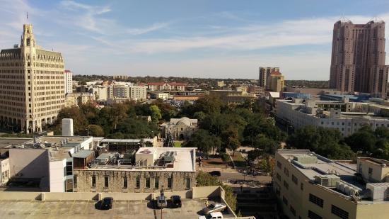 Hyatt Regency San Antonio: View of the Alamo from our 9th floor room