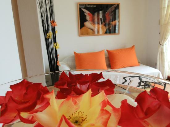 Villa Perka: Lantana living/dining area