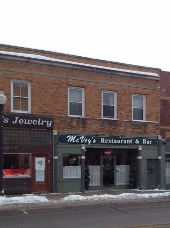 Lowell, IN: McVey's Restaurant