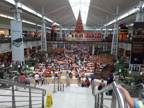 Praca De Alimentacao Enorme Foto De Parque D Pedro Shopping