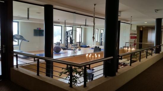 Regency Park Hotel + Spa: vista area Gym