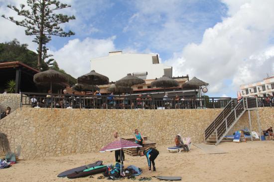 Salema, البرتغال: Restaurant from the Beach