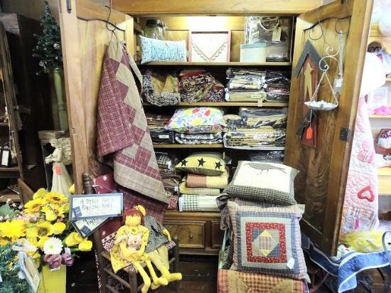 Mount Pilot Country Store: inside