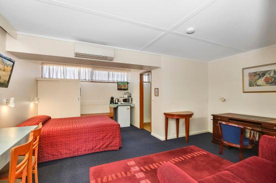 Comfort Inn Cedar Lodge : Guest Room
