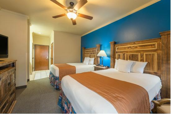 Knights Inn/La Hacienda Alamo Dome / Riverwalk: Double Bedroom