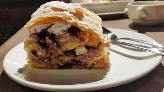 Renaldo's Apple Strudel & Pastries