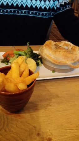 Dick Hudson's: Beef and Merlot pie with thick cut chips