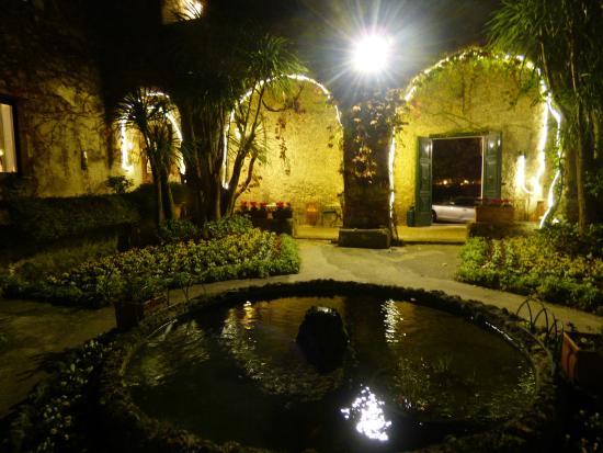 Hotel Parsifal Antico Convento del 1288: chiostro - giardino