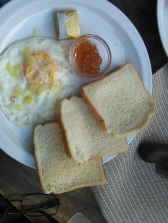 Hotel La Pergola: El desayuno