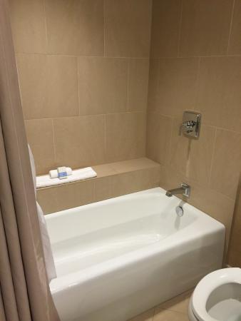 Delicieux Omni Dallas Hotel: Huge Bathtub