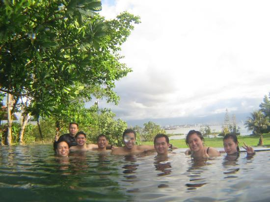 NDC Resort Dive & Spa: Kolam renang infinity