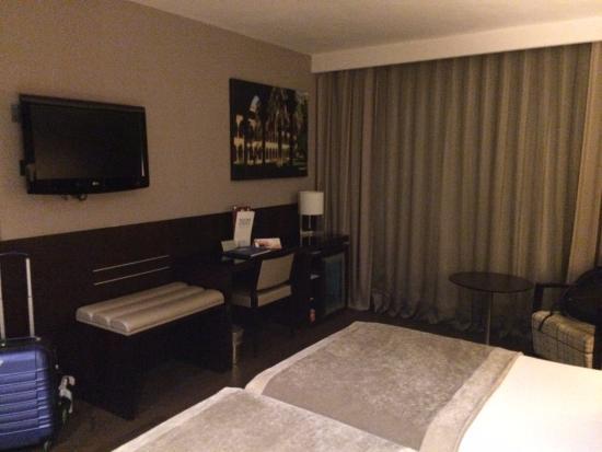 Catalonia Rigoletto: spacious room