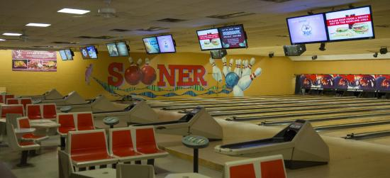 ‪Sooner Bowling Center‬