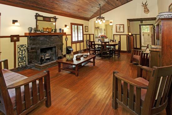 Saugatuck, MI: Craftsman Cottage