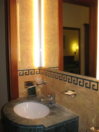 Hotel Sonya: Ванная комната