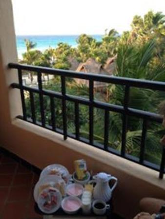 Vista hacia el mar... room service a las 6am