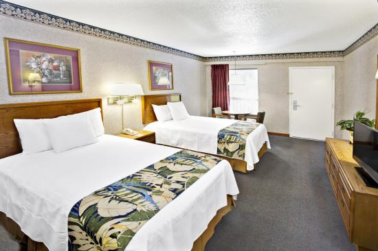 Days Inn Walterboro: Standard Double bed view