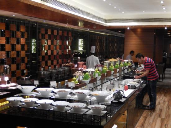 Fabulous Breakfast Buffet Half Picture Of Radisson Blu Kaushambi Download Free Architecture Designs Rallybritishbridgeorg