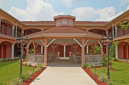 Crawfordville, FL: Exterior