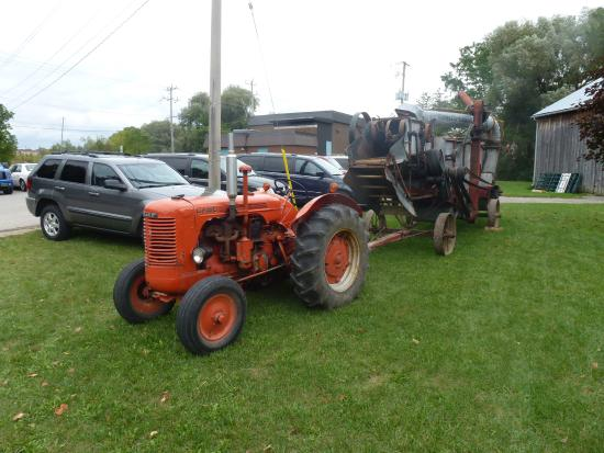 Ingersoll, Canada: Tractor & Thresher