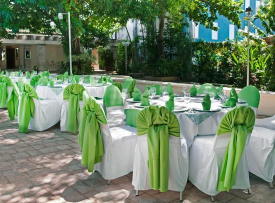 Hotel Viva Villahermosa: Banquete al aire libre