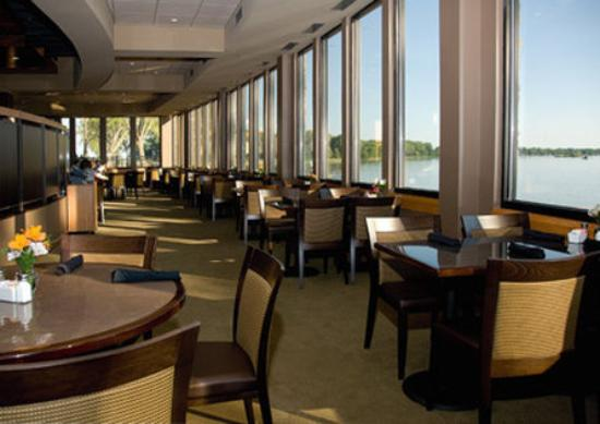 Storm Lake, IA: Lakeview Dining In The Regatta Grille