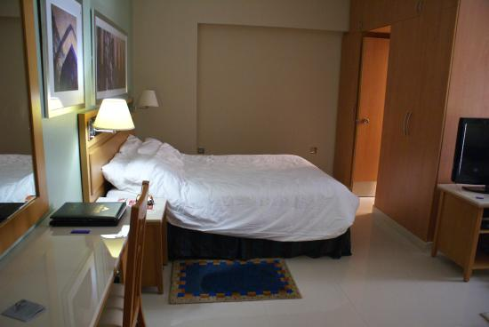 Golden Sands Hotel Apartments: slaapgedeelte