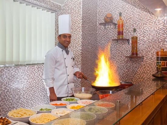 Flora Grand Hotel: Food Preparation