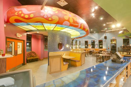 เมอร์ฟรีสโบโร, เทนเนสซี: World's largest indoor mushroom!