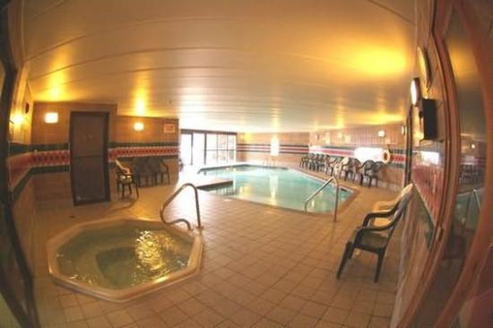 Prime Rate Inn - Burnsville: Pool