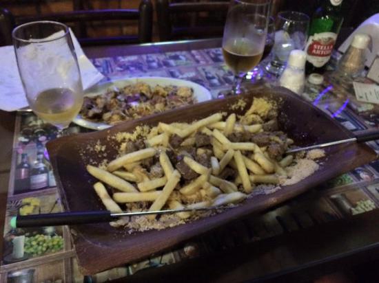 Cantina Roman: Tabua Picanha com batata frita e queijo frito