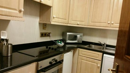 Aspen Suites Hyde Park: IMG-20151208-WA0040_large.jpg