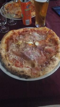 Che Pizza Picture Of La Bella Napoli Aprilia Tripadvisor