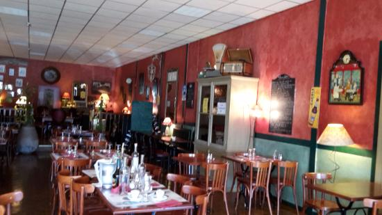 bistrot du chateau ch teaurenard restaurant avis num ro de t l phone photos tripadvisor. Black Bedroom Furniture Sets. Home Design Ideas