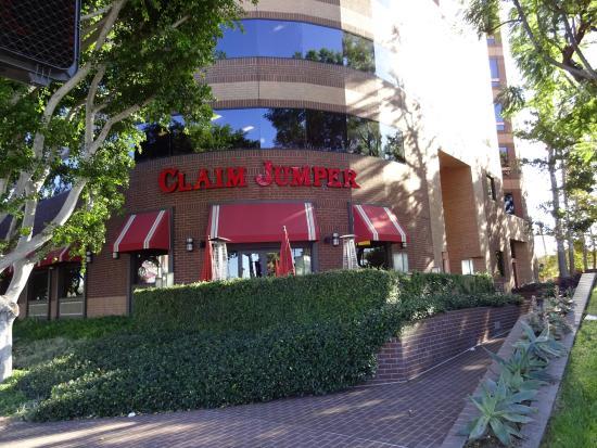 Otlichnoe Kafe Picture Of Claim Jumper Restaurants Burbank